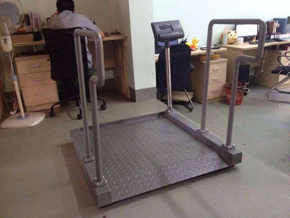 3月14日重庆凡康医疗设备向上海轮椅秤厂家采购1台T605透析轮椅秤